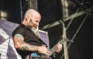 Scott-Ian-live