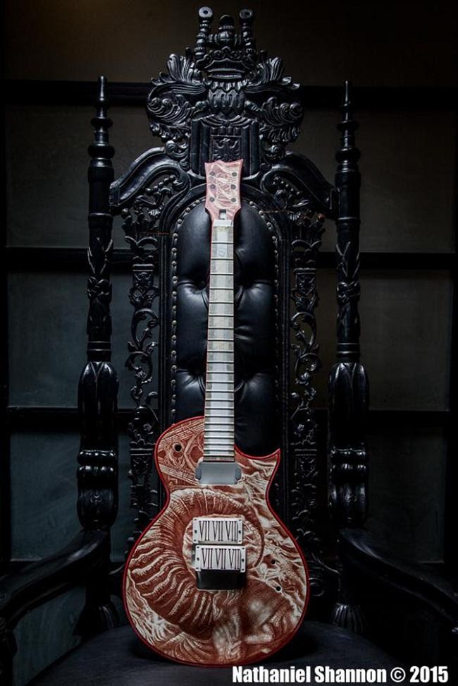 Castiglia-Holt-Blood-Guitar-2